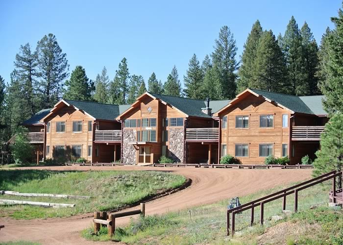 Center Lodging - Lupine Lodge 01