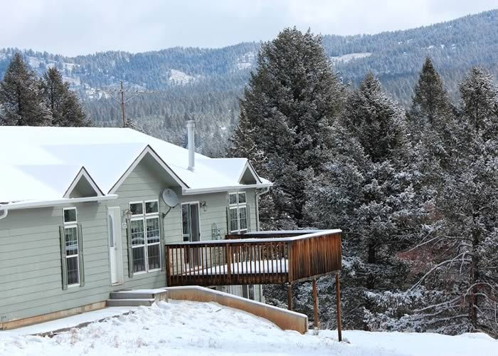 Center Lodging - Snowberry Cottage 01