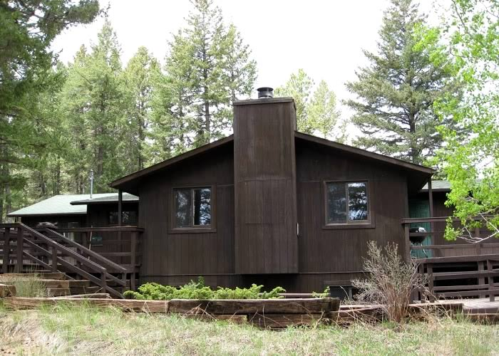 Center Lodging - Bluebell Cabin 1