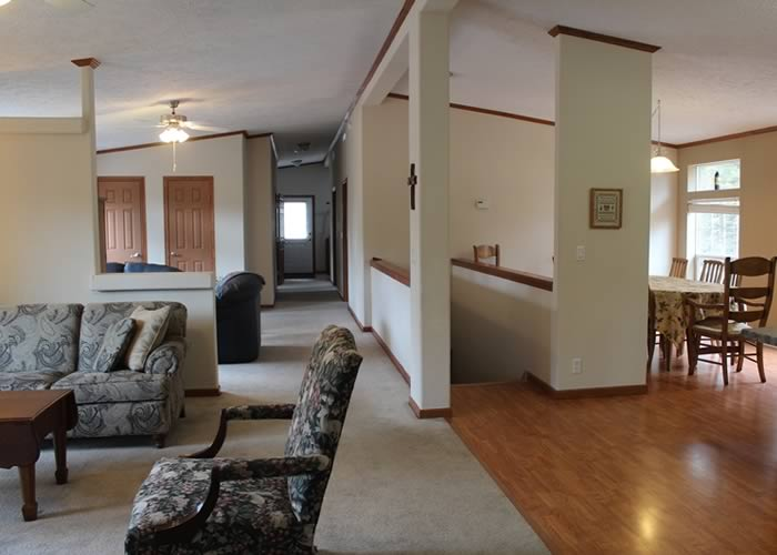 Center Lodging - Snowberry Cottage 03